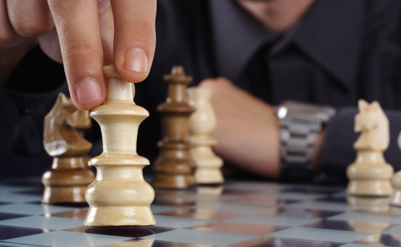 Chess Game - Data-Driven Customer Decisions
